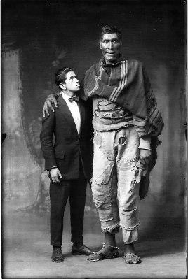 Gigante de Paruro (Juan de la Cruz Sihuane) by Martín Chambi, 1925